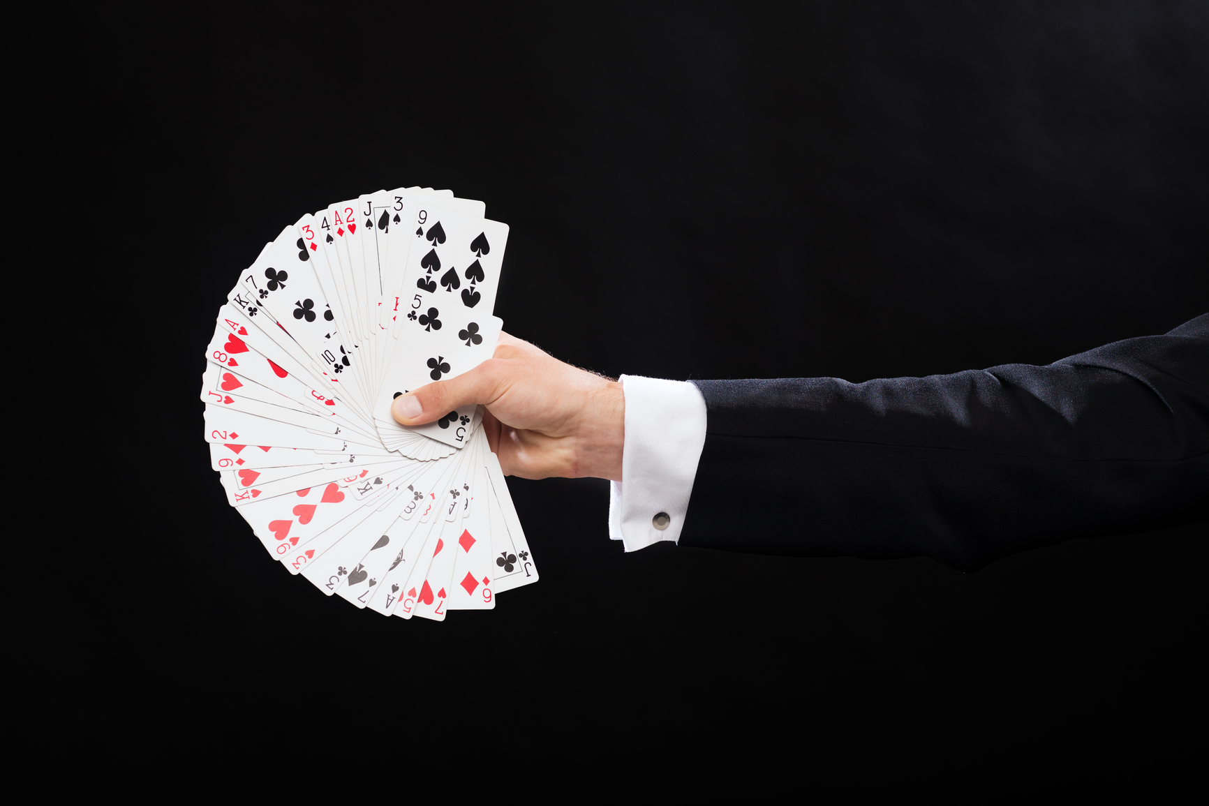 how close up magic differs from stage magic  magicmio